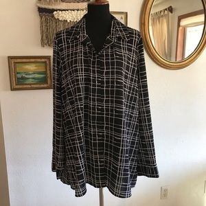 Black and White Blouse Size XL